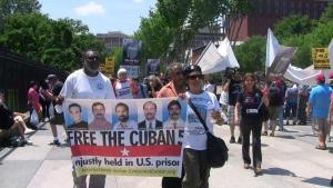 activistas llegaron a los alrededores de la Casa Blanca 1-6-13-g