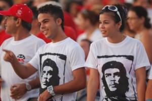 jovenes-cubanos-580x388